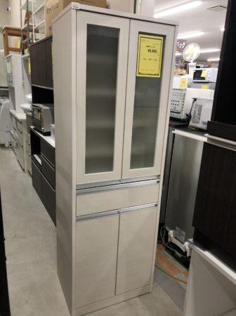 リサイクルショップ 食器棚 白